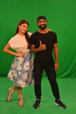 Remo D Souza, Jacqueline Fernandez snapped in Mumbai to promote The Flying Jatt on 6th Aug 2016 (59)_57a7464738a0f.JPG