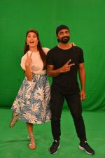 Remo D Souza, Jacqueline Fernandez snapped in Mumbai to promote The Flying Jatt on 6th Aug 2016 (62)_57a7454f97438.JPG