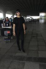 Shruti Hassan snapped at airport on 6th Aug 2016 (14)_57a737a12b0cc.JPG