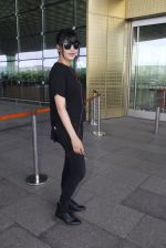 Shruti Hassan snapped at airport on 6th Aug 2016 (16)_57a737a698541.JPG