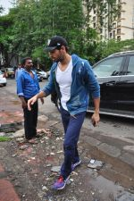 Sidharth Malhotra snapped for dream team practise on 6th Aug 2016 (13)_57a7398e7a322.JPG