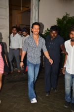 Tiger Shroff snapped in Mumbai to promote The Flying Jatt on 6th Aug 2016 (47)_57a745aceae5a.JPG