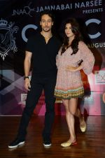 Tiger Shroff, Jacqueline Fernandez at Jamnabai_s Cascade on 7th Aug 2016 (35)_57a769e525c63.JPG