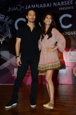 Tiger Shroff, Jacqueline Fernandez at Jamnabai_s Cascade on 7th Aug 2016 (39)_57a769eb22ed9.JPG
