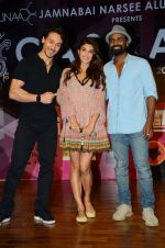 Tiger Shroff, Jacqueline Fernandez, Remo D Souza at Jamnabai_s Cascade on 7th Aug 2016 (15)_57a7689911c32.JPG