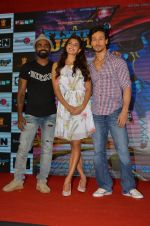 Tiger Shroff, Jacqueline Fernandez, Remo D Souza promote The Flying Jatt at Smaash on 8th Aug 2016 (62)_57a8c46072bb0.JPG