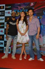 Tiger Shroff, Jacqueline Fernandez, Remo D Souza promote The Flying Jatt at Smaash on 8th Aug 2016 (63)_57a8c48658159.JPG