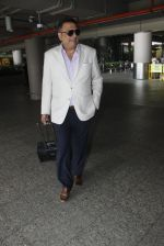 Boman Irani snapped at airport on 8th Aug 2016 (14)_57a94c452e3d5.JPG