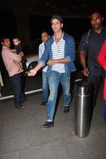 Hrithik Roshan leave for Ahmedabad snapped at airport on 8th Aug 2016