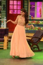 Jacqueline Fernandez promote The Flying Jatt on the sets of The Kapil Sharma Show on 8th Aug 2016 (22)_57a94e2db42a4.JPG
