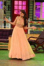 Jacqueline Fernandez promote The Flying Jatt on the sets of The Kapil Sharma Show on 8th Aug 2016 (23)_57a94e2eb296c.JPG