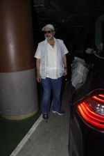 Pankaj Kapur snapped at airport on 8th Aug 2016 (6)_57a94c6078614.JPG