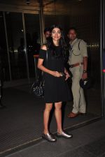 Pooja Hegde leave for Ahmedabad snapped at airport on 8th Aug 2016 (1)_57a94c9dd9a86.JPG