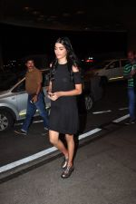 Pooja Hegde leave for Ahmedabad snapped at airport on 8th Aug 2016 (3)_57a94c9f8448e.JPG