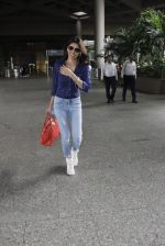 Sherlyn Chopra snapped at airport on 8th Aug 2016 (17)_57a94c6e1969e.JPG