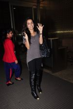 Shraddha Kapoor leave for Half Girlfriend shoot in Cape Town snapped at airport on 8th Aug 2016 (25)_57a94cb425238.JPG