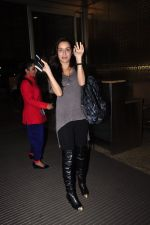 Shraddha Kapoor leave for Half Girlfriend shoot in Cape Town snapped at airport on 8th Aug 2016 (26)_57a94cb517b80.JPG