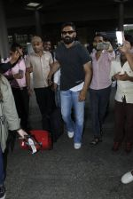 Sunil Shetty snapped at airport on 8th Aug 2016 (39)_57a94c8bb28a3.JPG