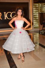 Taapsee Pannu at Pink trailer launch in Mumbai on 9th Aug 2016 (55)_57a9e9753497d.JPG