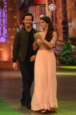 Tiger Shroff, Jacqueline Fernandez promote The Flying Jatt on the sets of The Kapil Sharma Show on 8th Aug 2016 (34)_57a94e4413d9b.JPG