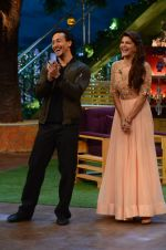 Tiger Shroff, Jacqueline Fernandez promote The Flying Jatt on the sets of The Kapil Sharma Show on 8th Aug 2016 (49)_57a94dd08d7e7.JPG