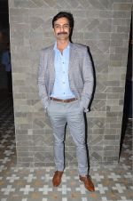 Ashmit Patel at Natasha J preview in Mumbai on 9th Aug 2016 (109)_57aaade9e59c9.JPG