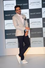 Ayushmann Khurrana at Arrow Smart Shirt launch in Mumbai on 9th Aug 2016 (31)_57aaaa1f664b9.JPG