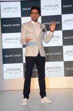 Ayushmann Khurrana at Arrow Smart Shirt launch in Mumbai on 9th Aug 2016 (32)_57aaaa2011ef7.JPG