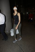 Deepika Padukone snapped at airport on 9th Aug 2016 (14)_57ab3aaf20afc.JPG