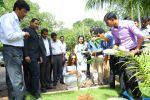 Deepika Padukone, brand ambassador of India�s no.1 sugar free chewing gum Orbit plants a mango tree sapling at the Wrigley India factory, the �Home of Orbit� in Bangalore on August 5, 2016 (2)_57ab3b64426a4.jpg