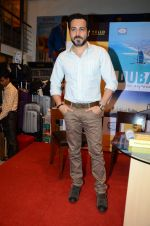 Emraan Hashmi at Dubai book launch on 9th Aug 2016 (10)_57aaaa5a61857.JPG