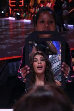 Jacqueline Fernandez on the sets of Jhalak Dikkhla Jaa 9 on 9th Aug 2016 (220)_57aab00f40d0a.JPG