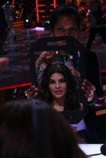 Jacqueline Fernandez on the sets of Jhalak Dikkhla Jaa 9 on 9th Aug 2016 (221)_57aab0102df90.JPG