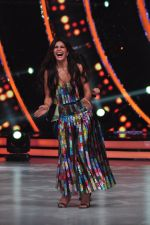 Jacqueline Fernandez on the sets of Jhalak Dikkhla Jaa 9 on 9th Aug 2016 (262)_57aab012bb7da.JPG