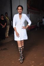 Sonakshi Sinha on the sets of Jhalak Dikkhla Jaa 9 on 9th Aug 2016 (213)_57aab19d774a6.JPG