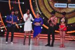 Sonakshi Sinha on the sets of Jhalak Dikkhla Jaa 9 on 9th Aug 2016 (321)_57aab1a8c03be.JPG