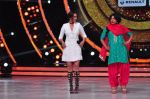 Sonakshi Sinha on the sets of Jhalak Dikkhla Jaa 9 on 9th Aug 2016 (346)_57aab1b2ad42a.JPG