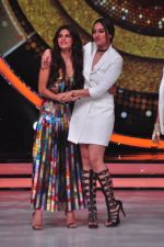 Sonakshi Sinha, Jacqueline Fernandez on the sets of Jhalak Dikkhla Jaa 9 on 9th Aug 2016 (290)_57aab1b9623f1.JPG