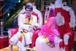 Kapil Sharma and Jacqueline Fernandez tie the knot on the sets of The Kapil Sharma Show on 10th Aug 2016