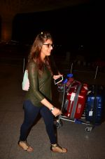 Aarti Chhabria snapped at airport on 10th Aug 2016 (25)_57ac444c6e3b2.JPG
