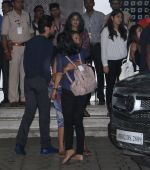 Akshay Kumar, Ileana D_Cruz, Esha Gupta snapped at airport on 10th Aug 2016 (7)_57ac488eac565.JPG