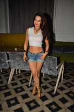 Ameesha Patel snapped at Corner House for friends party on 10th Aug 2016 (11)_57ac444b65fb3.JPG