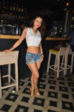 Ameesha Patel snapped at Corner House for friends party on 10th Aug 2016 (26)_57ac44594694d.JPG