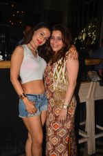 Ameesha Patel snapped at Corner House for friends party on 10th Aug 2016 (33)_57ac445ee3ebc.JPG