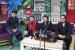 Anup Jalota, Pankaj Udhas, Talat Aziz on the sets of The Kapil Sharma Show on 10th Aug 2016 (5)_57ac80a56e865.JPG