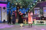 Anup Jalota, Pankaj Udhas, Talat Aziz on the sets of The Kapil Sharma Show on 10th Aug 2016 (8)_57ac80947ffc6.JPG