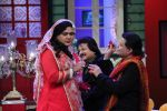 Anup Jalota, Pankaj Udhas, Talat Aziz on the sets of The Kapil Sharma Show on 10th Aug 2016 (9)_57ac8096e0f24.JPG