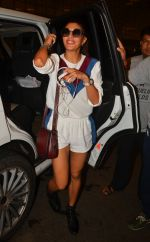 Jacqueline Fernandez snapped at airport on 10th Aug 2016 (23)_57ac447ea8e7f.JPG
