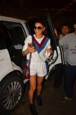 Jacqueline Fernandez snapped at airport on 10th Aug 2016 (24)_57ac447f74e34.JPG