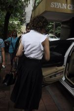 Kangana Ranaut snapped leaving recording studio on 10th Aug 2016 (6)_57ac8428b97a1.JPG